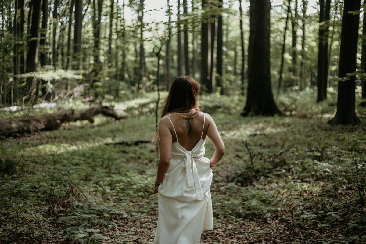 Sesja-narzeczenska-w-lesie-boho-plener-plener-slubny 14
