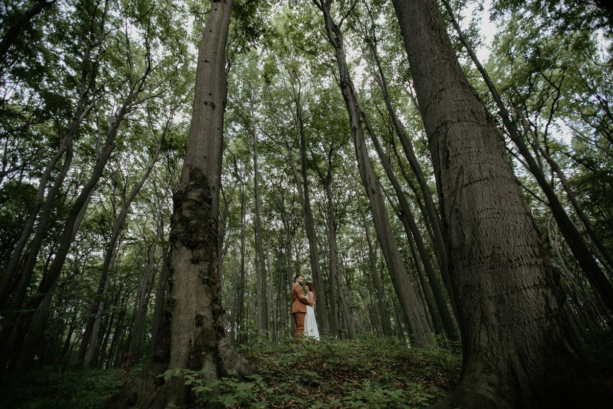 Sesja-narzeczenska-w-lesie-boho-plener-plener-slubny 28