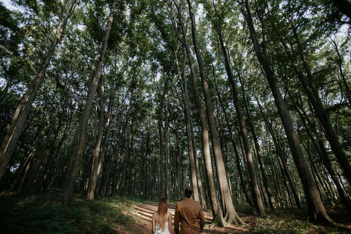 Sesja-narzeczenska-w-lesie-boho-plener-plener-slubny 76